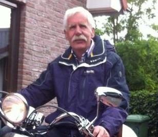 Gerrit Groeneveld op scooter