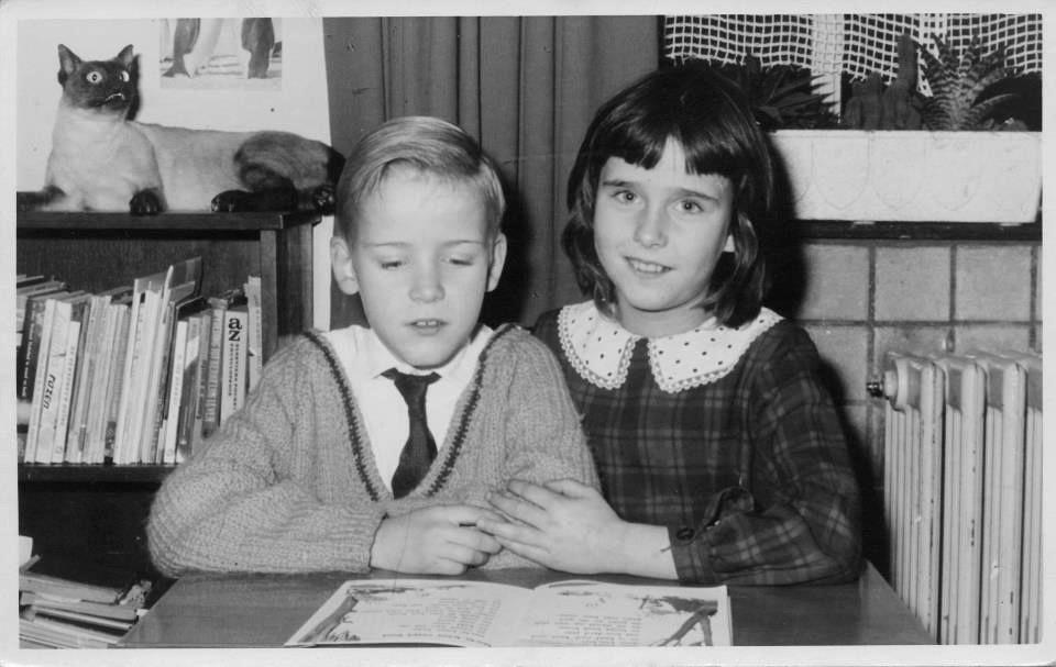 Henk als ventje met zijn zus Angeline