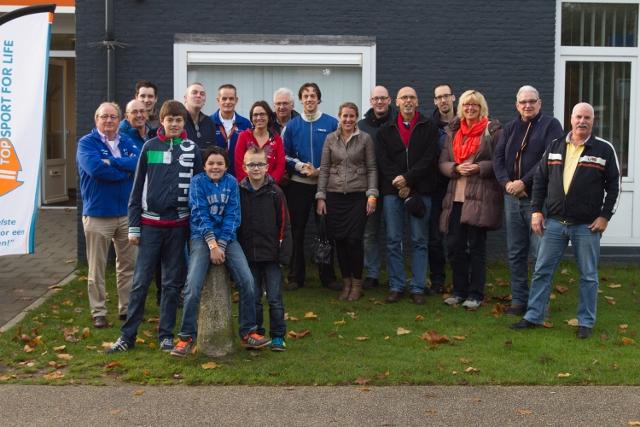 Onze Topsport for Life-groep bij de Pre-proloog, voor het kantoor van Topsport for Life in Eindhoven