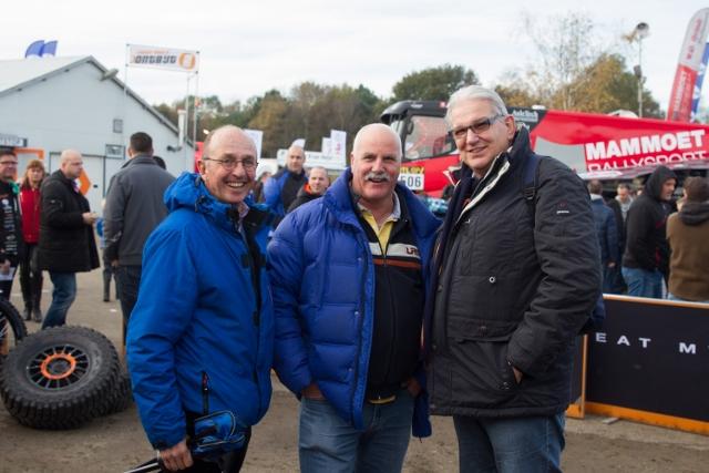 Buddy Geert van Eijk naast Dick Bersma en Gerrit-Jan Maliepaard helemaal rechts