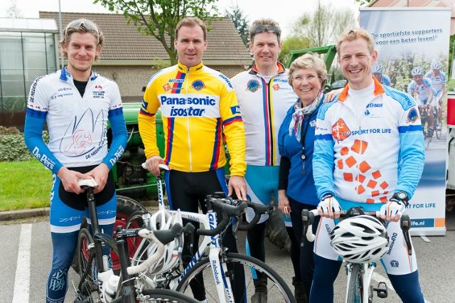 Topsport for Life - Paula Pietersen met prominenten - kopie (640x426)