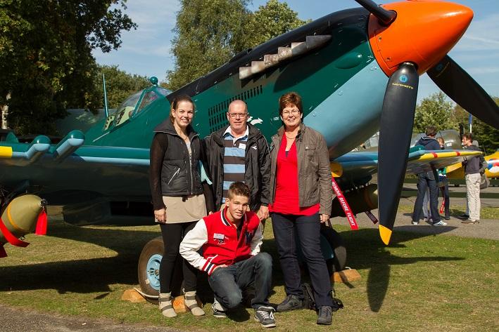 Topsport for Life - Kees en Jeannette van Nieuwkoop + kids bij Samen de Wolken In - LR