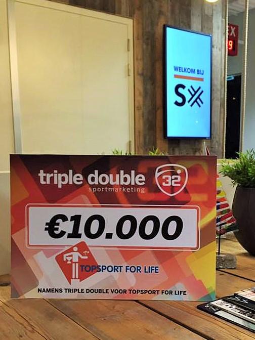 topsport-for-life-cheque-van-triple-double