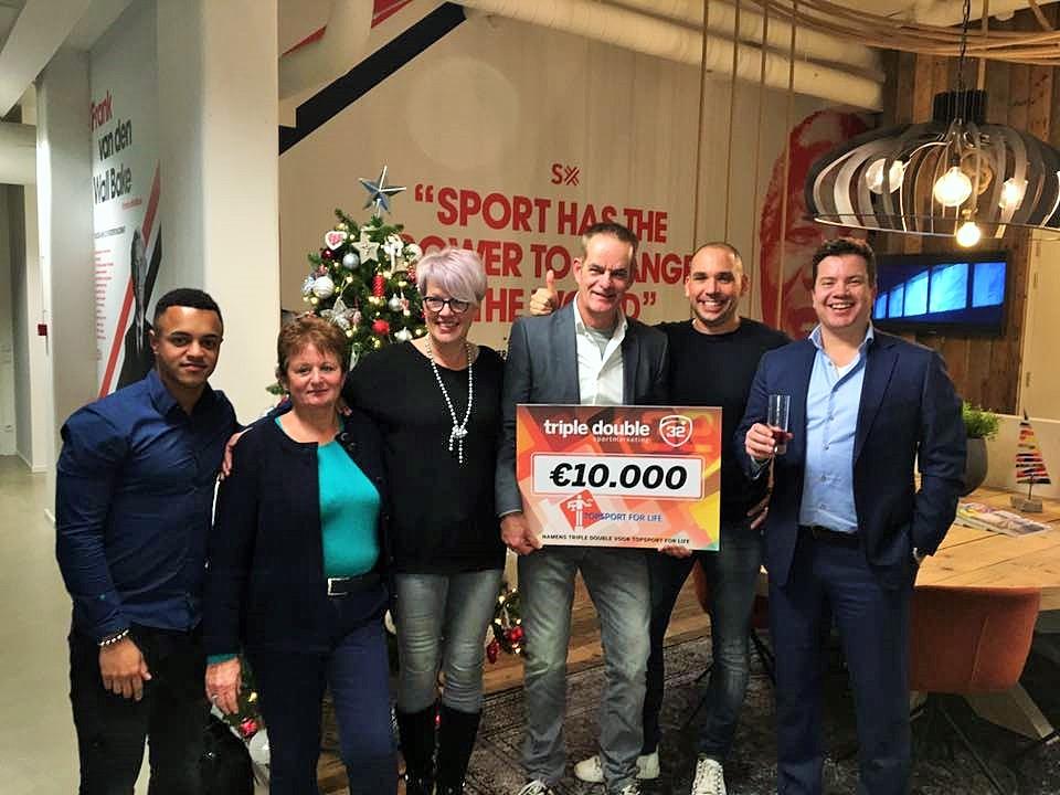 topsport-for-life-uitreiking-cheque-door-triple-double