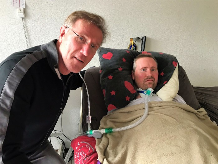 Ambassadeur Hans van Breukelen met Ronnie Möller