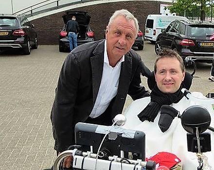Ronnie samen met Johan Cruijff in mei 2014